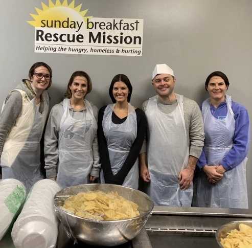 Nurse nesthesia Students Serving at Sunday Breakfast Mission during CRNA