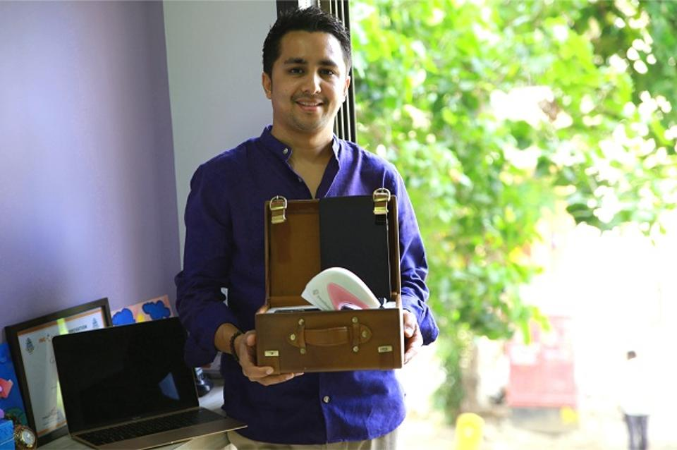 Mihir-Picture-With-iBE-machine