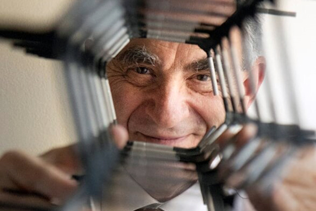 The College of Engineering will host a symposium on Wednesday, April 10, to honor Eli Yablonovitch of the University of California at Berkeley. Dr. Yablonovitch is the recipient of the 2019 Benjamin Franklin Medal in Electrical Engineering.
