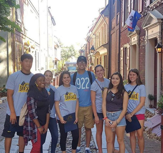 Students at Elfreth's Alley in Old City