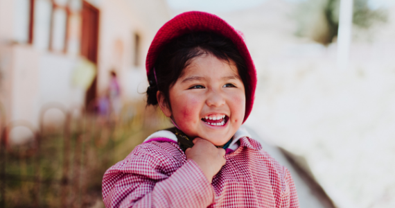 smiling children in Peru