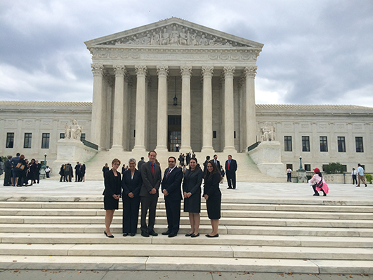 Alumni at swearing-in at US Supreme Court in 2015