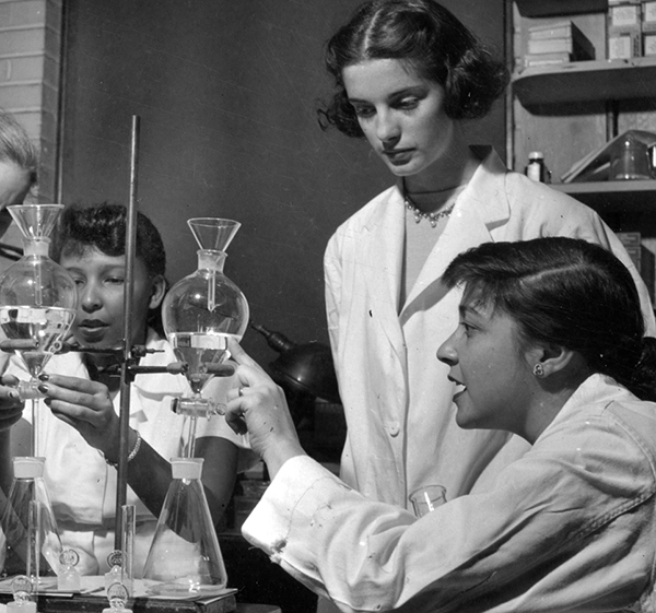 Student with Dr. Mary Dratman and technicians in the endocrinology lab, 1951 (The Legacy Center Archives and Special Collections)