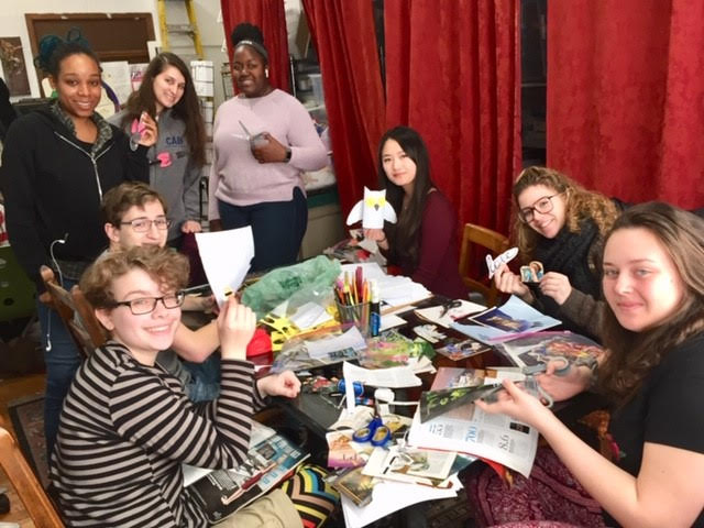 Students volunteer at ArtSphere