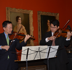 Photo of David Kim, Philadelphia Orchestra Concertmaster, and Che-Hung Chen, Philadelphia Orchestra Violist