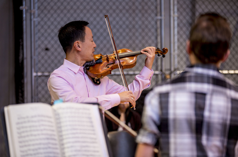 David Kim taught a master class for selected students from the Drexel University Orchestra in preparation for a concert on Nov. 23. Photo credit: C. Shan Cerrone.