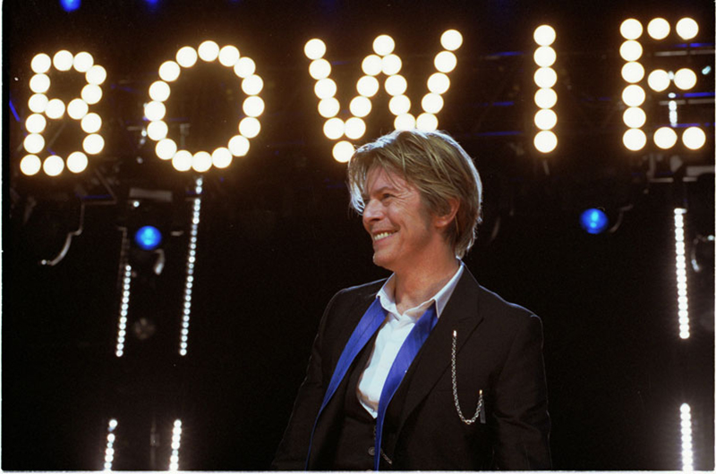 """David-Bowie Chicago 2002-08-08 photoby Adam-Bielawski"" by Photobra