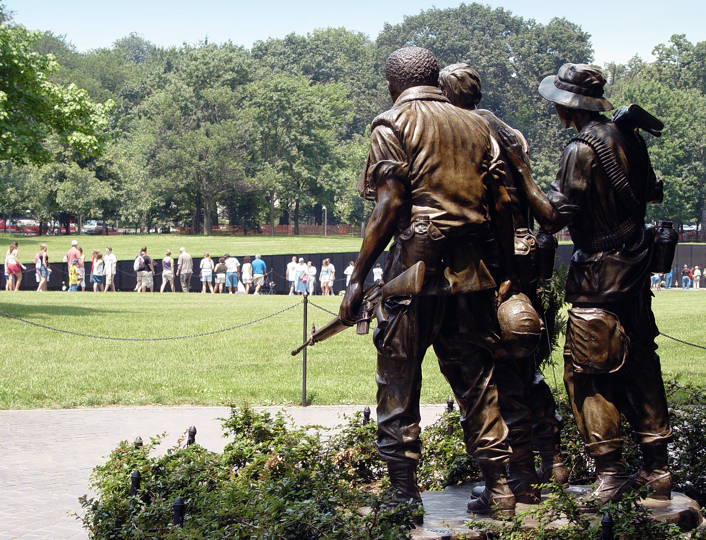 Vietnam Veterans Memorial. Photo courtesy: https://www.flickr.com/photos/snoshuu/368444407/