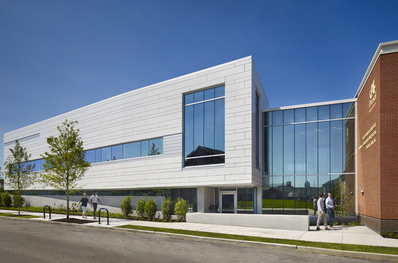The new wing of the Stephen and Sandra Sheller 11th Street Family Health Services Center. Photo credit: Halkin/Mason Photography.