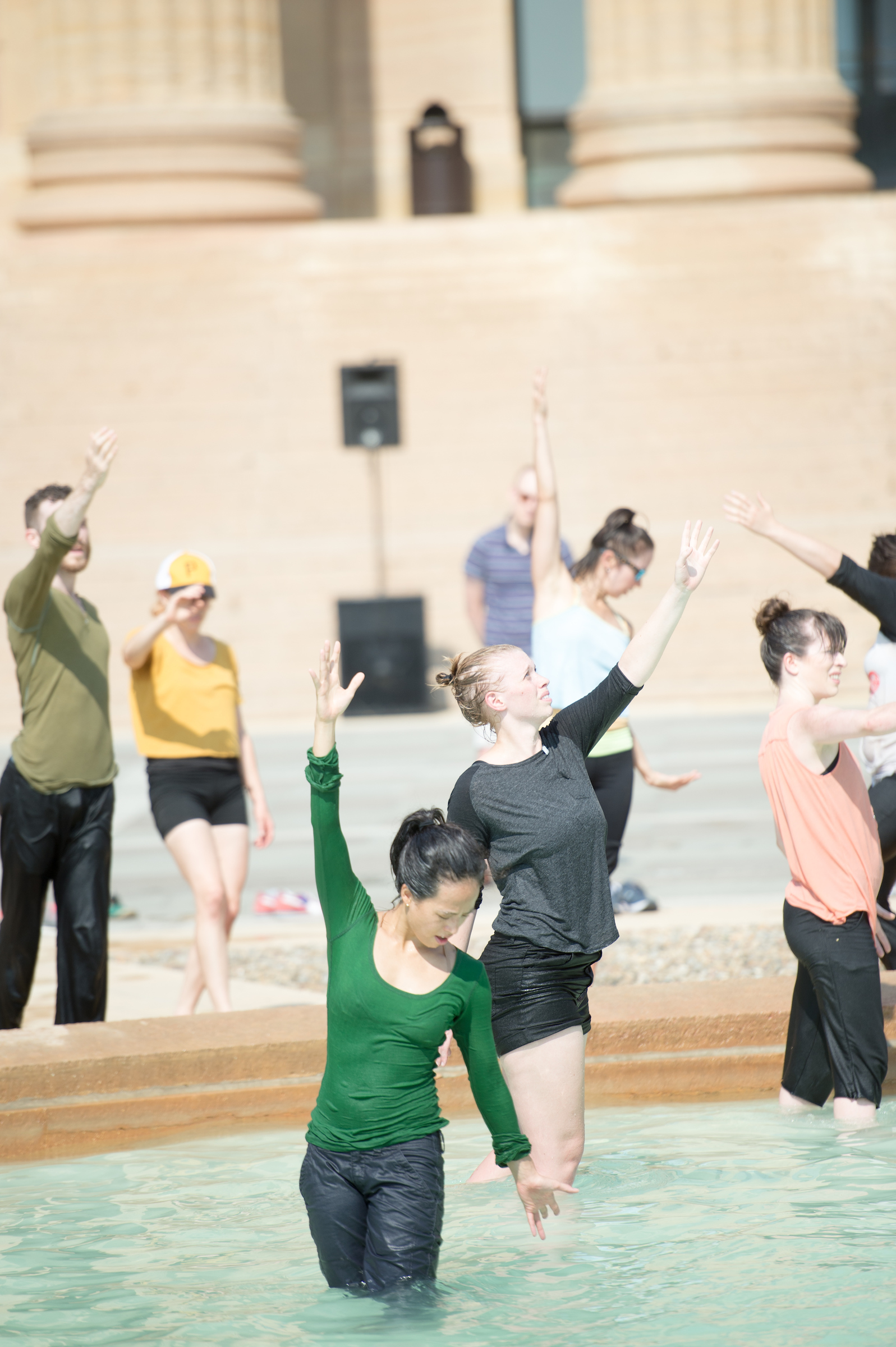 Philadelphia community and professional dancers performing Charmatz' Levée des conflits at the Philadelphia Museum of Art, September 2016. Photo Credit: JJ Tiziou Photography