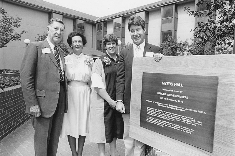 Harold Myers pictured in 1984 with his family at the official naming ceremony of Myers Hall. Photo courtesy University Archives.