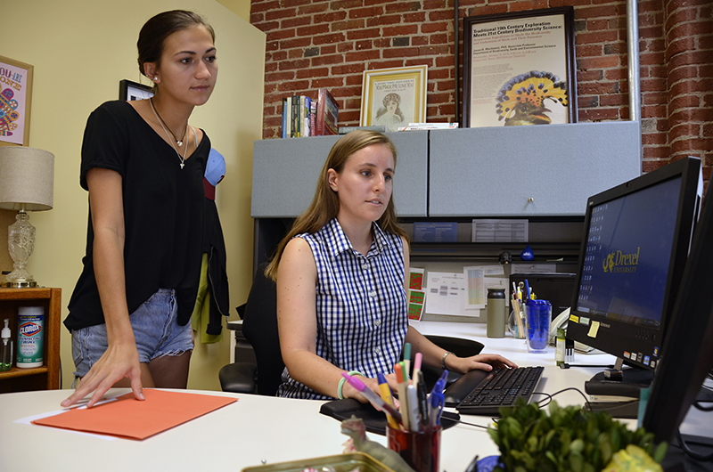 Florette Press (right), an academic advisor for the College of Arts and Sciences, helped third-year student Elizabeth Warnock (right) through major transitions her freshman year.