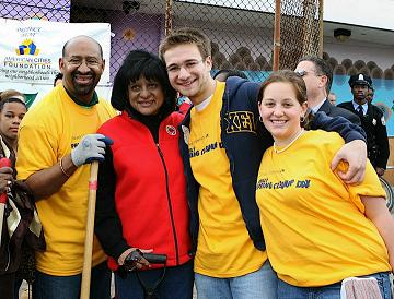 Mayor Nutter and Councilwoman Blackwell with Drexel students